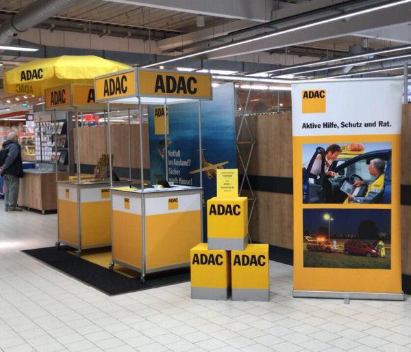Informationsstand von der ADAC Vertriebsagentur Marita Günther