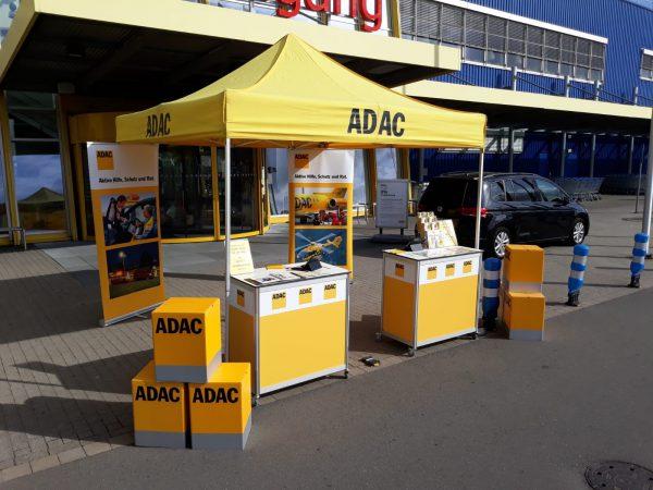 Outdoor Pavillon der ADAC Vertriebsagentur Marita Günther